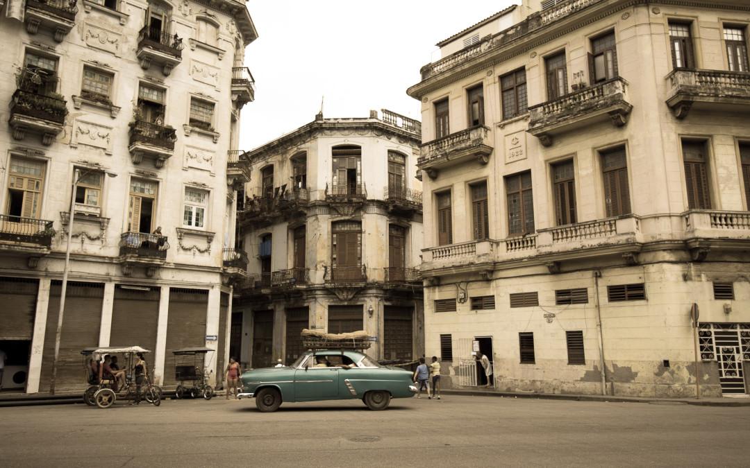 Havana cars and buildings